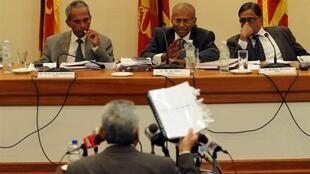 Gotabhaya Rajapak, secrétaire de la Défense du Sri Lanka et responsable des opérations militaires contre les Tigres tamouls, a témoigné devant la « Commission sur les leçons apprises et la réconciliation », le 17 août 2010.