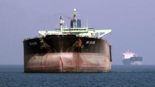 نفت کش ایرانی در بندر عباس - تصویر آرشیوی