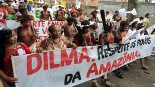 Manifestation contre la construction du barrage de Belo Monte, à Rio de Janeiro, le 20 juin 2012.