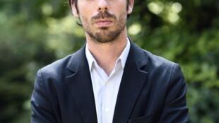 Portrait de l'écrivain Adrien Bosc.