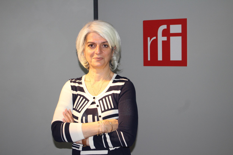 سرور کسمائی در استودیو رادیو بینالمللی فرانسه