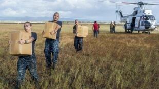 Porta-aviões americano reforçaram ajuda humanitária nas Filipinas.