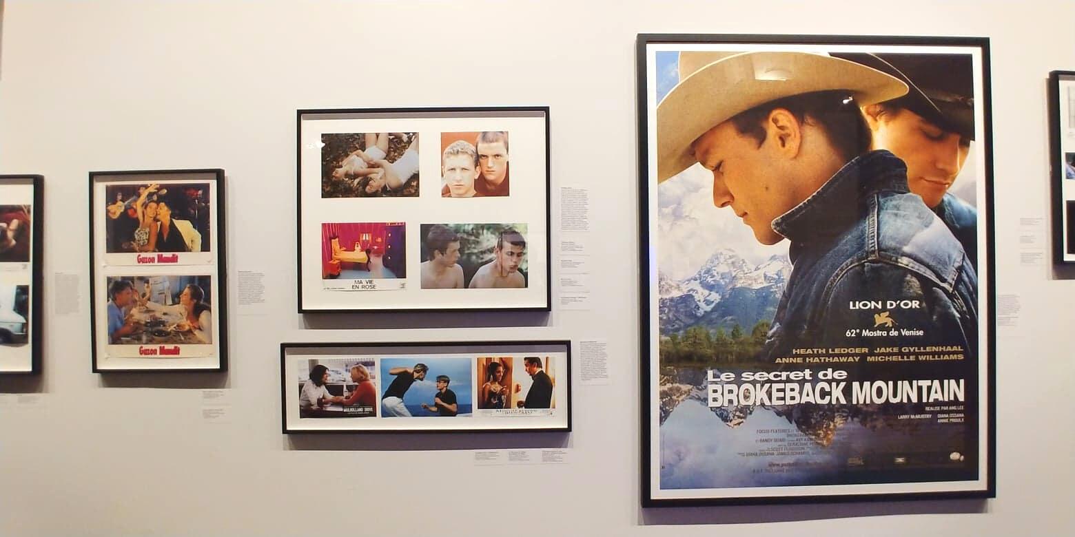 """Những hình ảnh về bộ phim """"Brokeback Mountain"""" của đạo diễn Lý An được trưng bày tại Triển lãm 100 năm phim về đề tài """"đồng tính"""", Paris, năm 2019."""