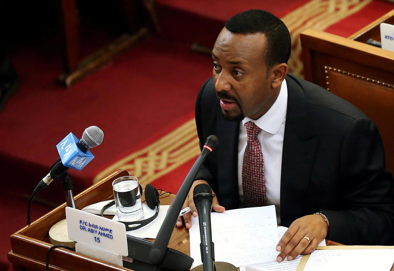Waziri Mkuu wa Ethiopia Abiy Ahmed akijibu maswali ya wabunge huko Addis Ababa,Aprili 19, 2018.