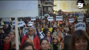 En Italie, une  manifestation pour dire « stop ! » au féminicide.