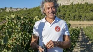 Gérard Bertrand, propriétaire d'une entreprise viticole écoresponsable.