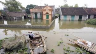 Cảnh lụt ở Ninh Bình, tháng 10/2007.