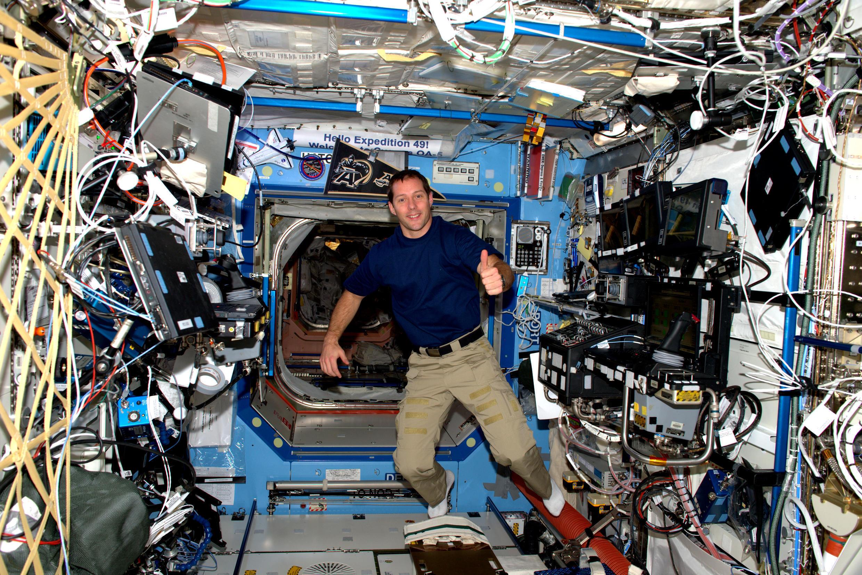 Thomas Pesquet dans l'ISS lors de sa première mission, en 2016.