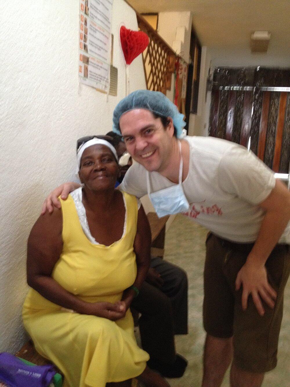 Jair Nicolini e a paciente Fleurima Gracieuse