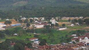 Voinjama, chef lieu du comté de Lofa, au Liberia, où des scènes de crime ont été reconstituées par les enquêteurs.