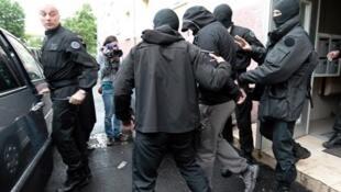 Uma das operações recentes da polícia francesa contra jihadistas franceses.