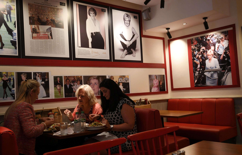 英國倫敦戴安娜咖啡屋  2017年8月15日