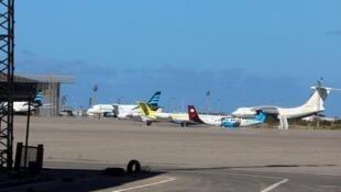 پروازهای فرودگاه اصلی طرابلس پایتخت لیبی، روز دوشنبه ٢٩ ژوئیه/ ٧ مرداد لغو شد.
