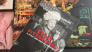 Couverture - Ella Fitzgerald - Une voix en Amérique - Editions Le mot et le reste