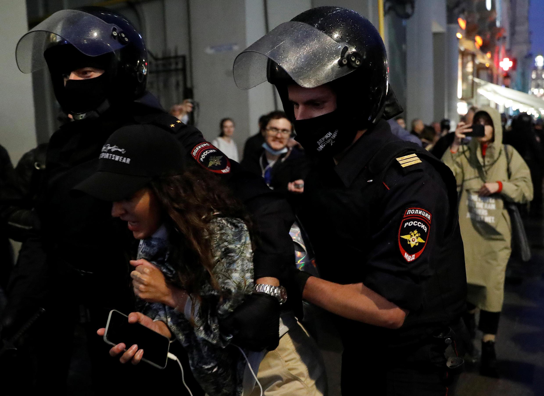 2020-07-15T184702Z_2059024566_RC2UTH9X3LI4_RTRMADP_3_RUSSIA-PUTIN-PROTESTS
