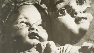 """Serie """"Muñecas del miedo"""", París, 1939. Archivo Privado de Fotografía y Gráfica Kati y José Horna."""