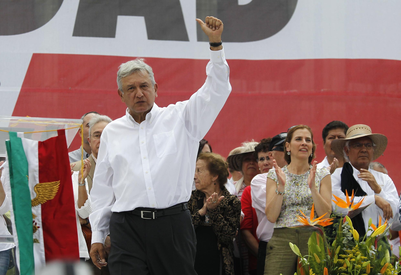 Andres Manuel Lopez Obrador appelle tous les Mexicains à défendre le pétrole qui a été nationalisé en 1938.