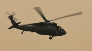美国黑鹰直升机