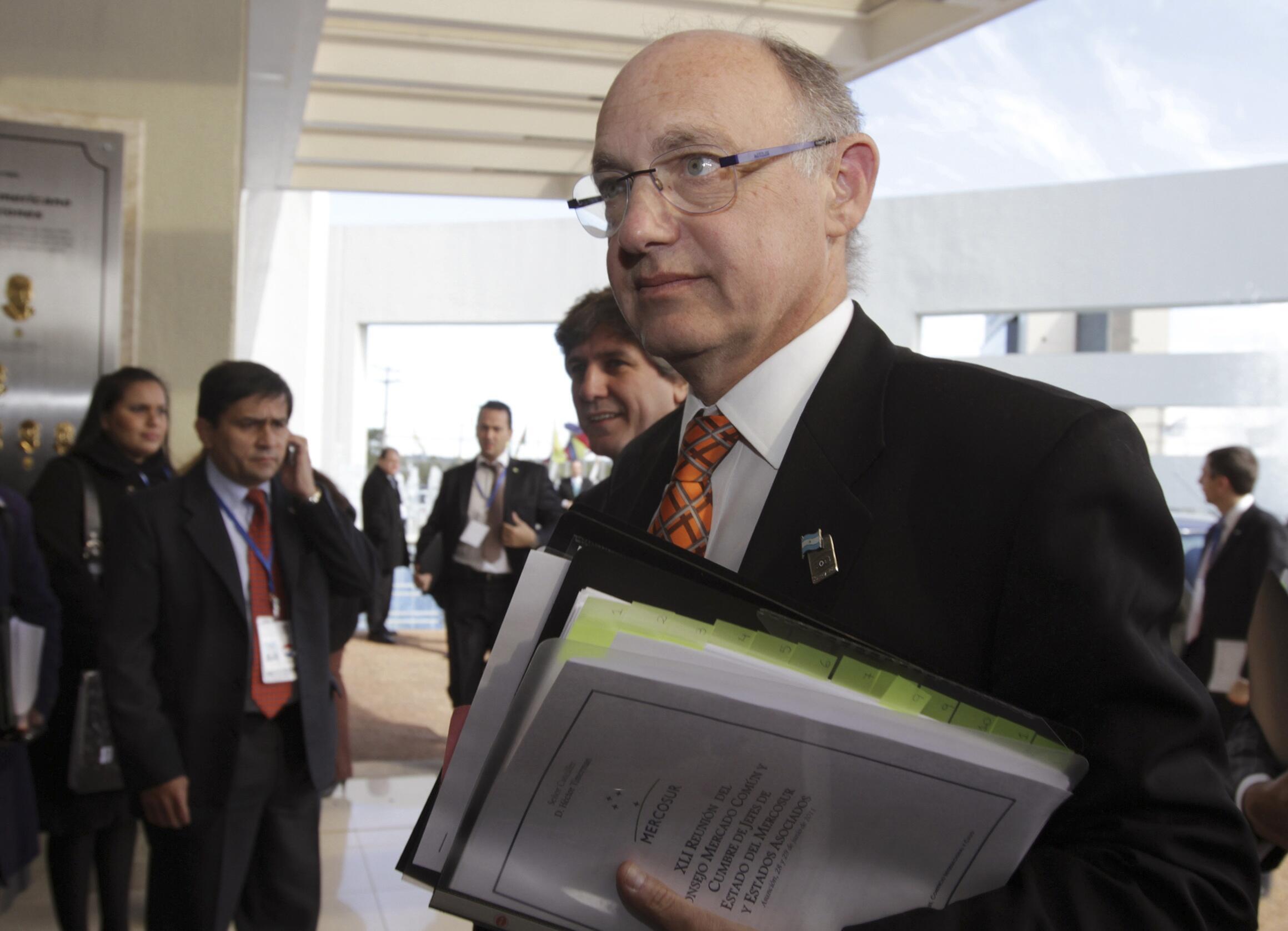 O chanceler argentino Hector Timerman anunciou medidas contra empresas argentinas instaladas nas Malvinas