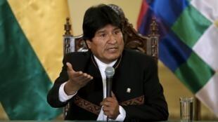 O presidente boliviano, Evo Morales, durante coletiva de imprensa na segunda-feira (22), ao reconhecer a derrota no referendo do último fim de semana.