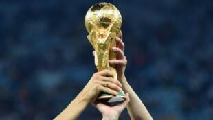 تصمیم افزایش تیم های شرکت کننده از جام  ۲۰۲۶ اجرا خواهد شد.