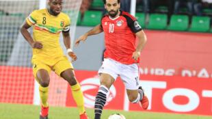 Le footballeur égyptien Mohamed Salah (à droite) lors de la CAN 2017.