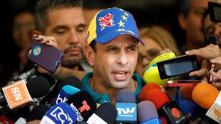 Le leader d'opposition Henrique Capriles, le 15 octobre dernier à Caracas lors des élections régionales au Venezuela.