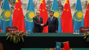 2019年9月11日,中国国家主席习近平在北京人大会堂与来访的哈萨克斯坦总统会晤。