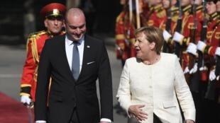Премьер-министр Грузии Мамука Бахтадзе и канцлер Германии Ангела Меркель в Тбилиси 23 августа 2018