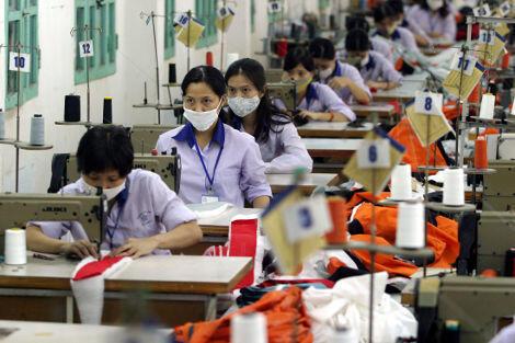 Một xưởng may ở Hà Nội - REUTERS /Kham