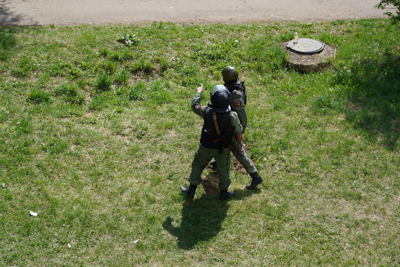 Intervention des forces de l'ordre dans l'école de Kazan, le 11 mai 2021.