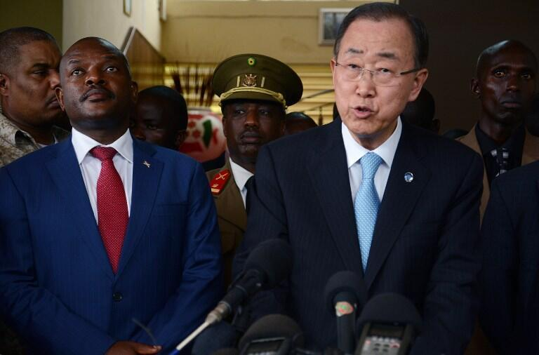 Le président du Burundi Pierre Nkurunziza et le secrétaire général de l'ONU Ban Ki-moon, en conférence de presse commune, le 23 février 2016, à Bujumbura.
