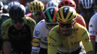 Julian Alaphilippe pendant la cinquième étape du Tour 2020