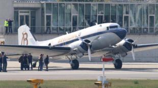 Le Douglas DC-3 de Francis Coagulo a traversé 28 pays durant un périple de 6 mois.