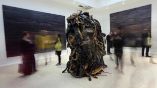 """Instalação """"Medusa"""", de Mark Bradford, no pavilhão dos EUA na Bienal de Veneza."""