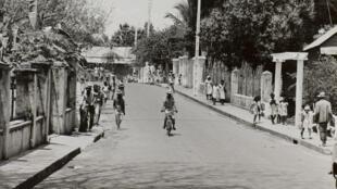 Une rue à Nosy Bé (Madagascar).