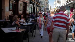 Pour l'heure, le travail précaire est très répandu en Espagne et les salaires sont très bas.