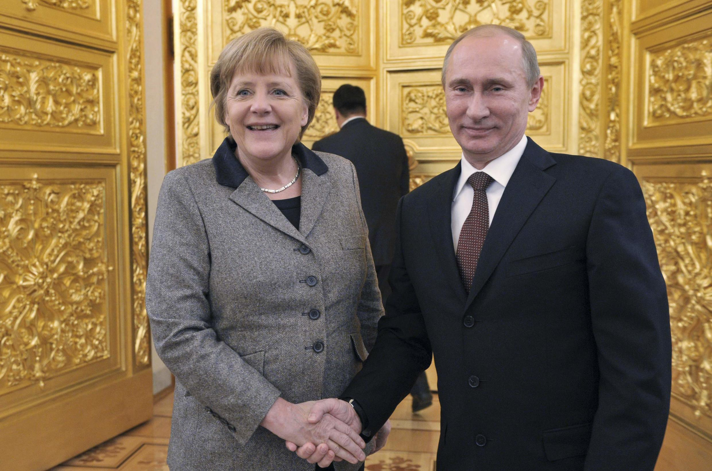 Thủ tướng Đức Angela Merkel và Tổng thống Nga Vladimir Putin trong lần gặp tại Kremlin 11/2012 - REUTERS /Alexei Nikolsky