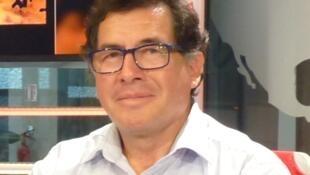 Manuel Guerra en los estudios de RFI