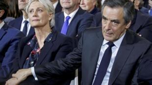 Candidato da direita às presidenciais em França, François Fillon e esposa Penélope.