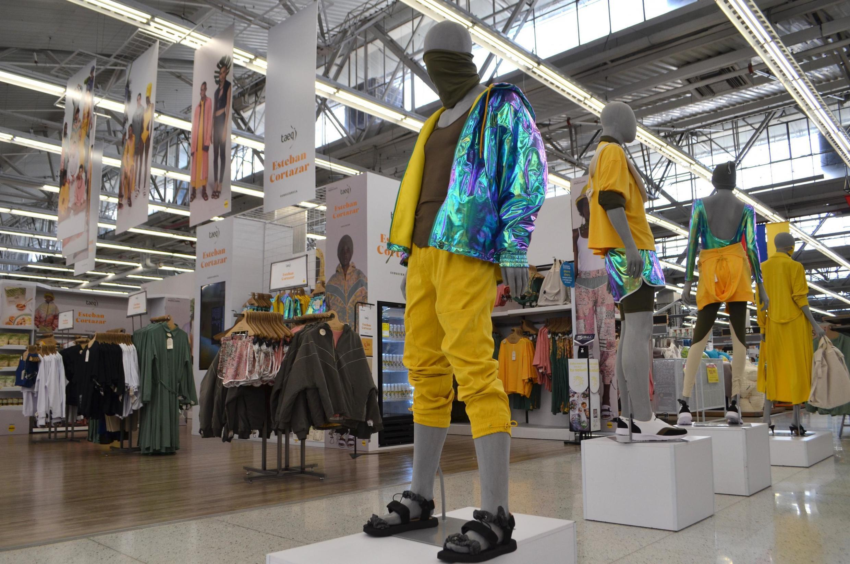 Esteban Cortazar a choisi de proposer à la vente en supermarché sa nouvelle collection nommée «Inclusion et Conscience»