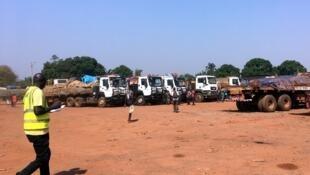 Des transporteurs à leur arrivée à Bangui, en RCA, après plusieurs jours de blocage côté Cameroun, le 13 mars 2019.