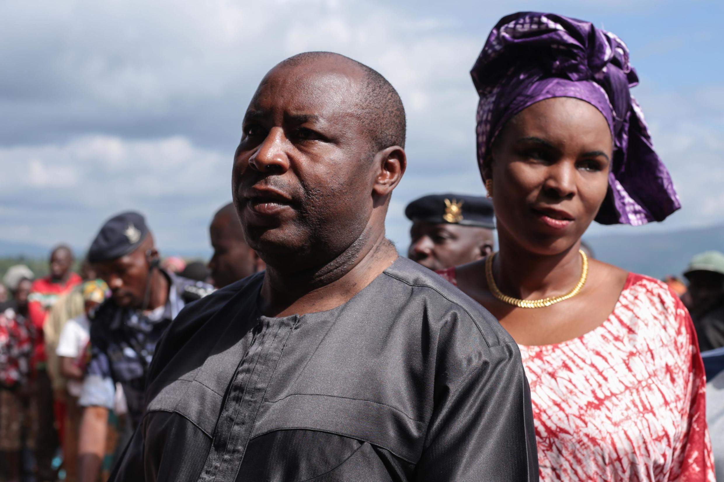 Evariste Ndayishimiye avec son épouse Angelique Ndayubaha.