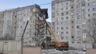 Жилой дом в Астрахани после взрыва 27/02/2012