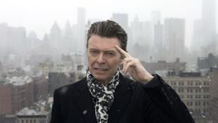 David Bowie experimenta com jazz em seu 25° álbum