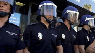 执勤中的西班牙警察