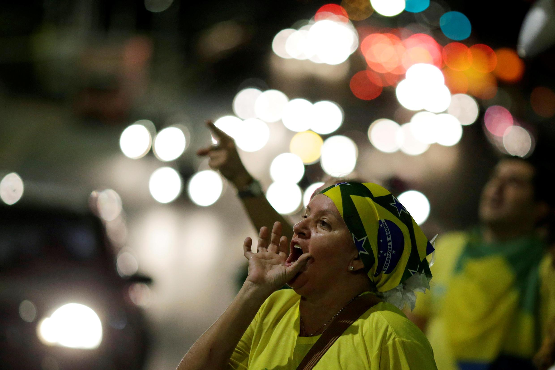 Des manifestants réclament la destitution de Dilma Rousseff, à Brasilia, le 9 mai 2016.