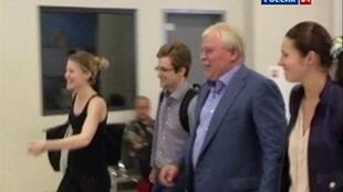 Whistleblower Edward Snowden (2nd L) at Moscow airport earlier this month