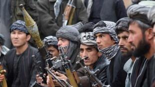 Une milice afghane anti-talibans issue de la tribu des Jamshedi. Photo prise en octobre 2015, dans la province de Faryab au nord du pays.