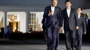 Tổng thống Hoa Kỳ Obama (trái) và Chủ tịch Trung Quốc Tập Cận Bình tại Washington, 24/09/2015.